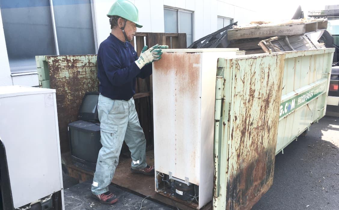 廃棄物の車両積込